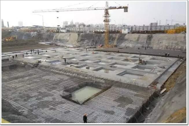 建房子打地基图片_农村建房地基挖多深
